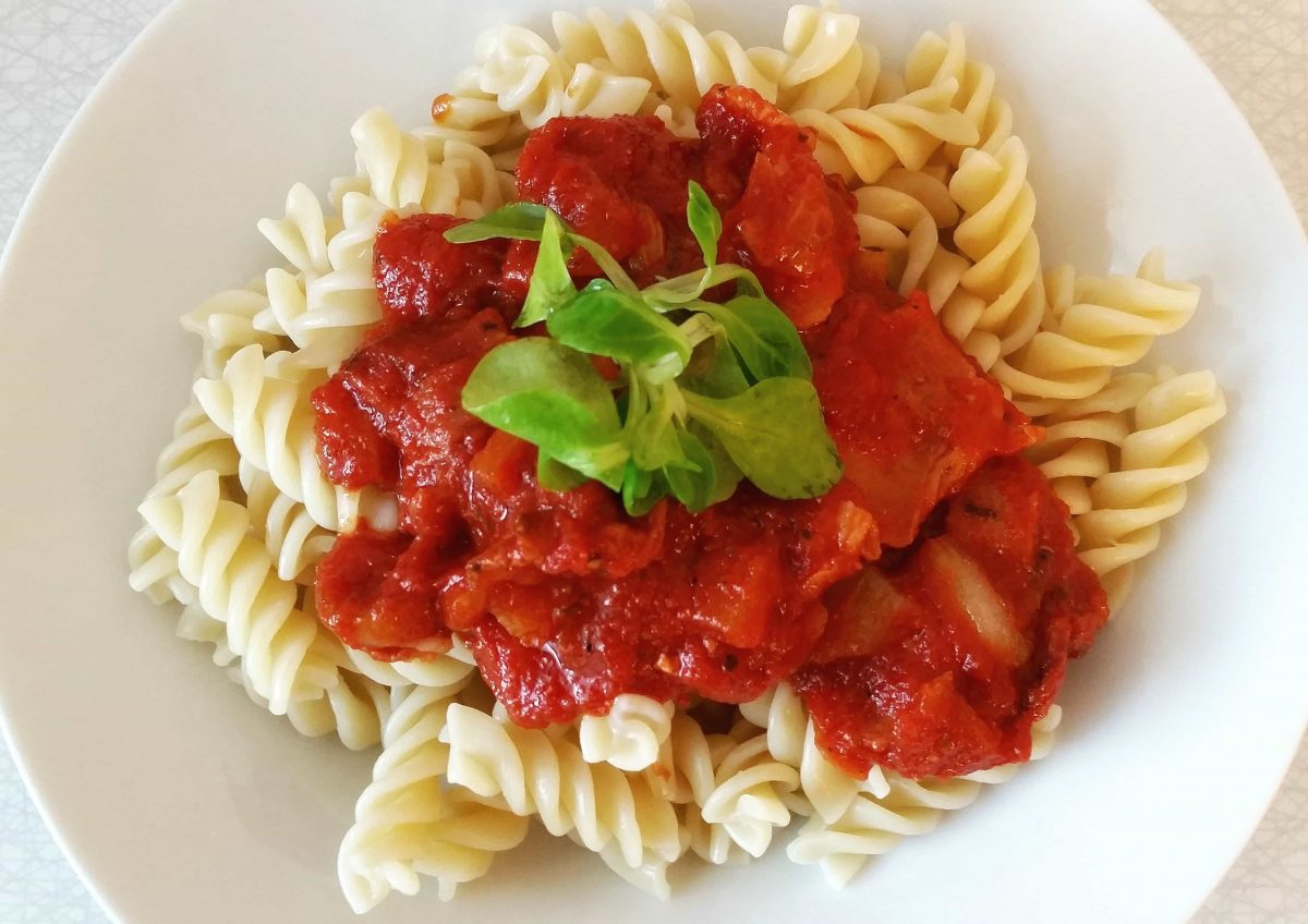 Recipe Of The Week – Tomato and Basil Sauce